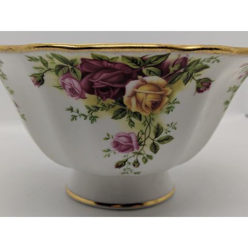 Royal Albert 'Country Roses' fruit bowl c 1950