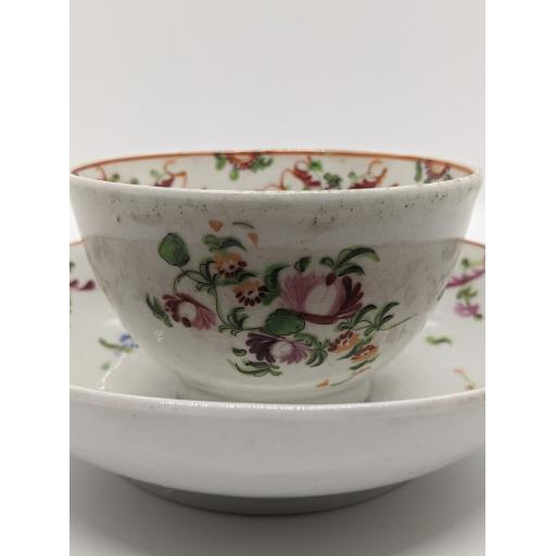 New Hall 'knitting wool' tea bowl and saucer c 1790